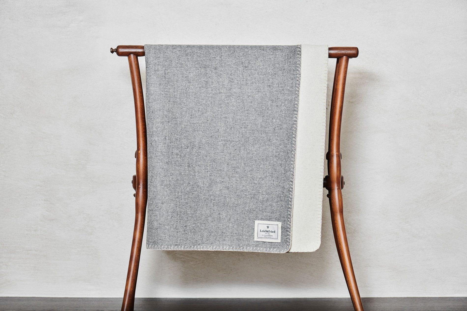 Merino wool blanket Courchevel (DDmG 600/8001-9000/9000)