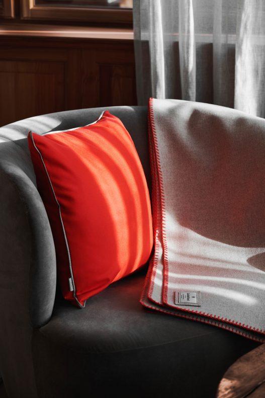 Kissen und Decke von Leichtfried Loden